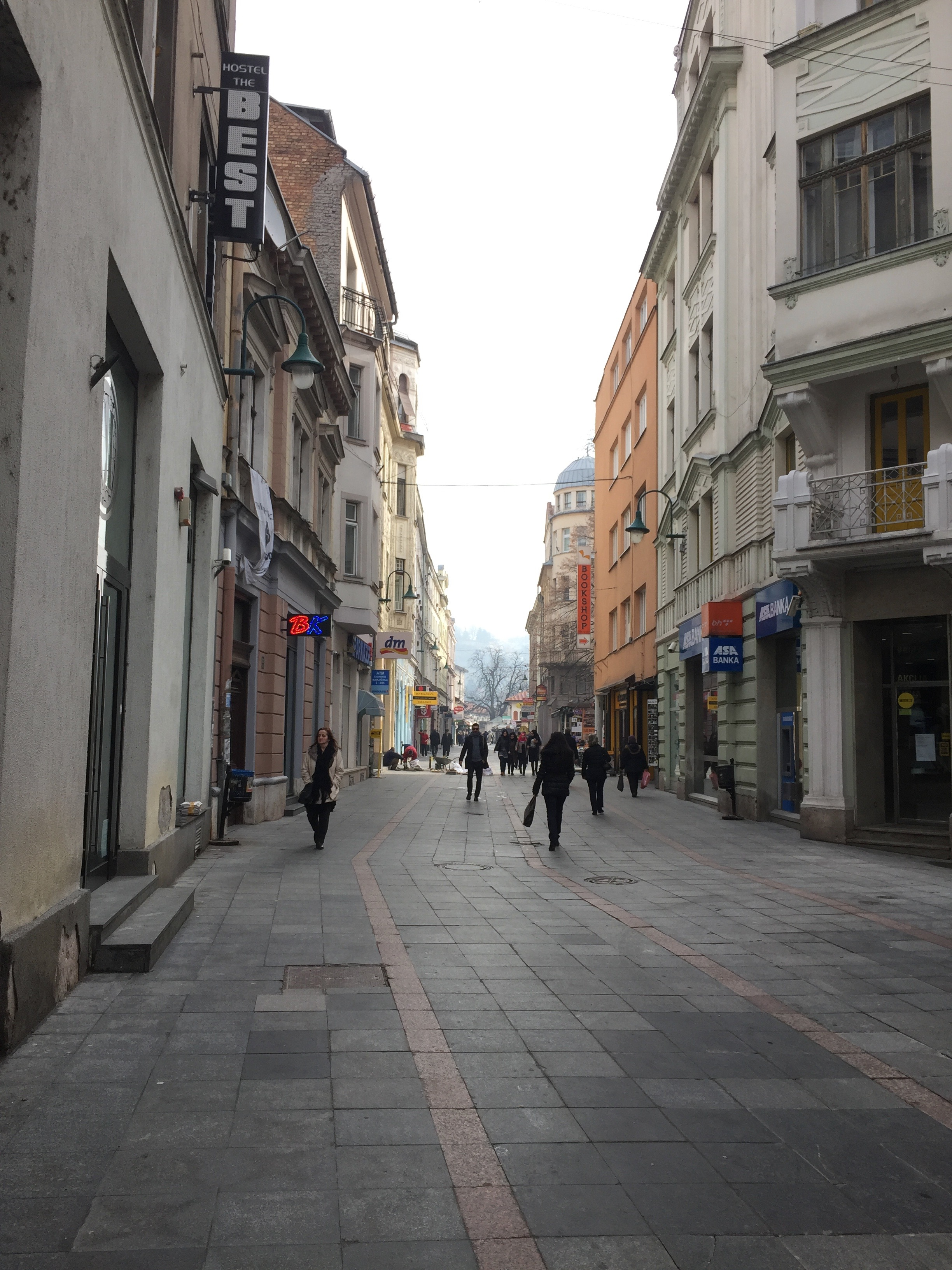 サラエボの中心地の大通り