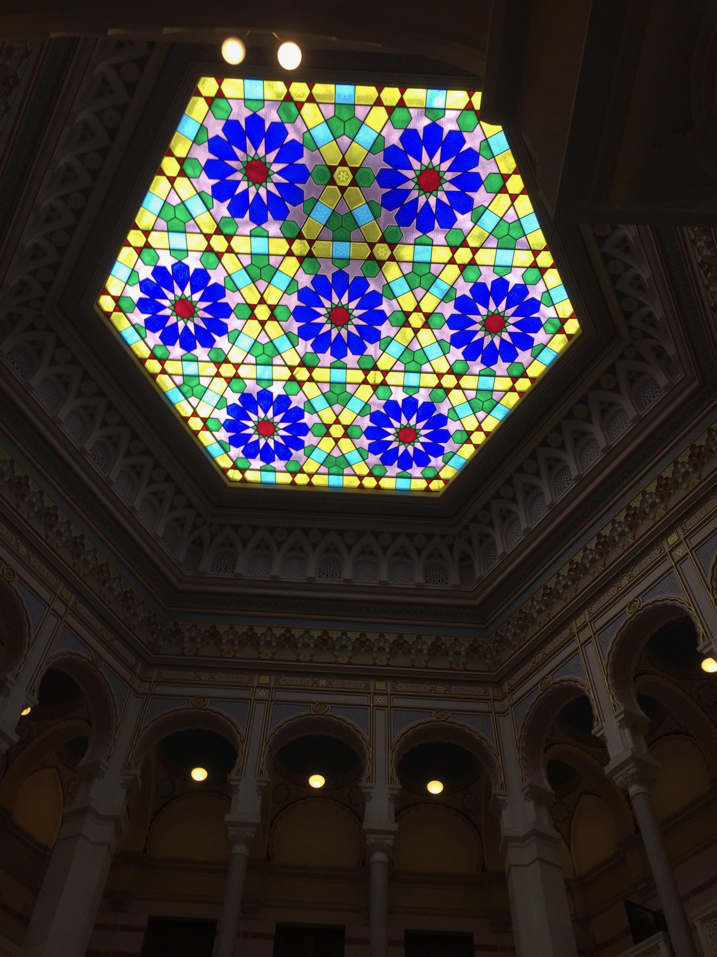 天井のステンドグラス