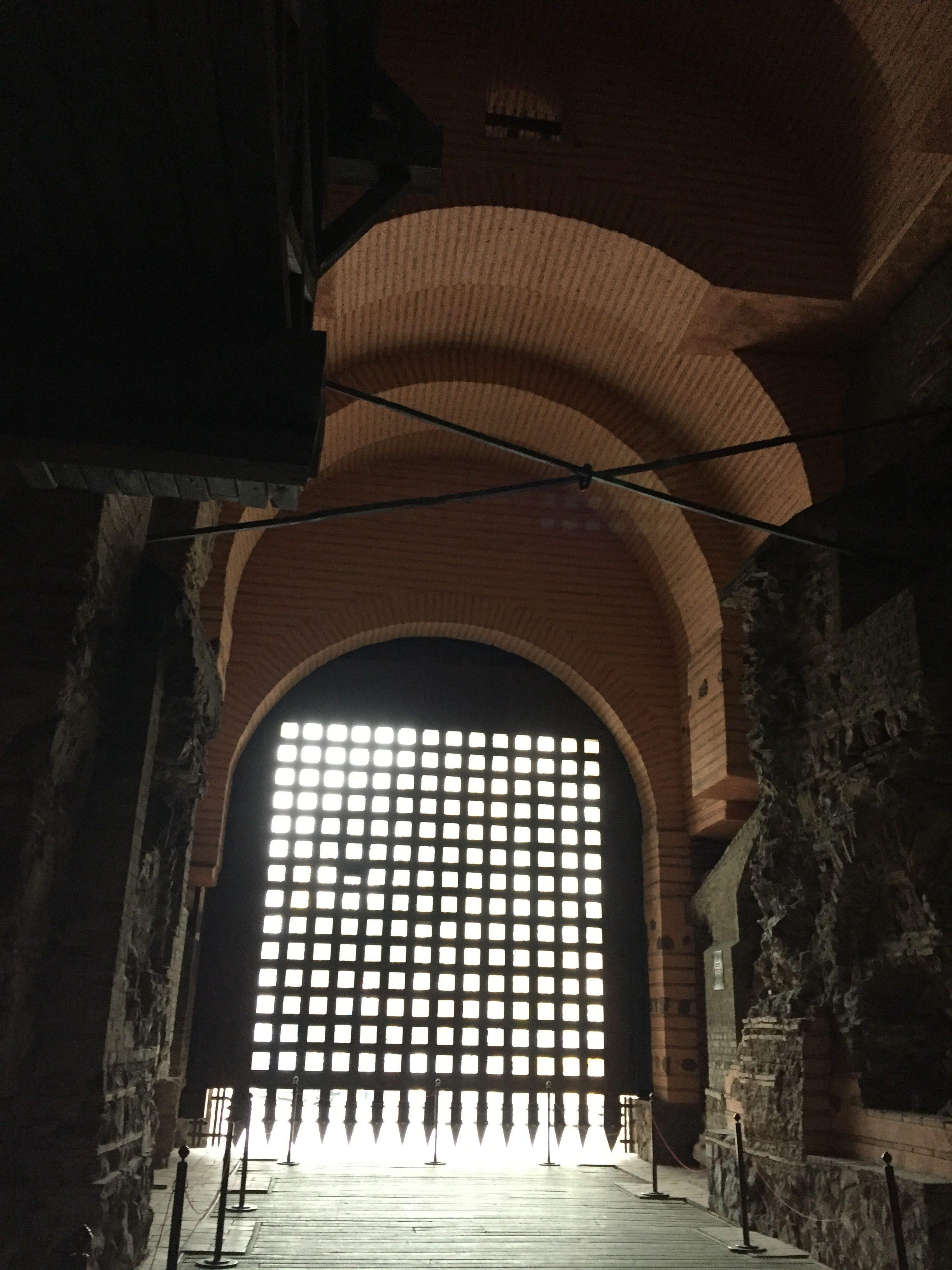 キエフの大門の中