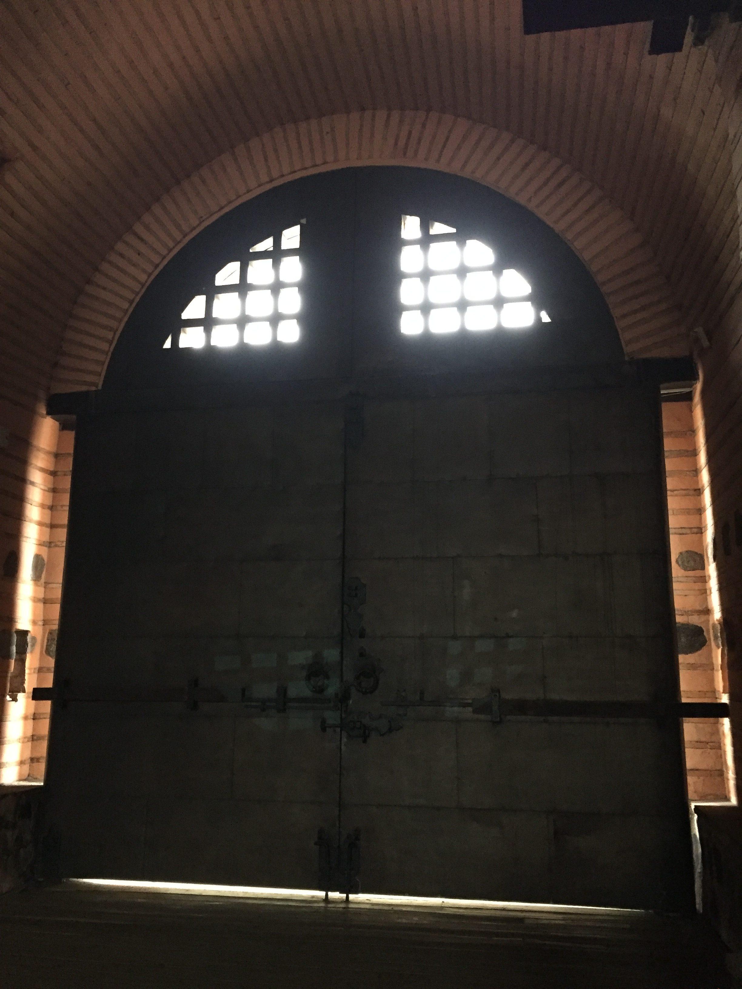 門の玄関口
