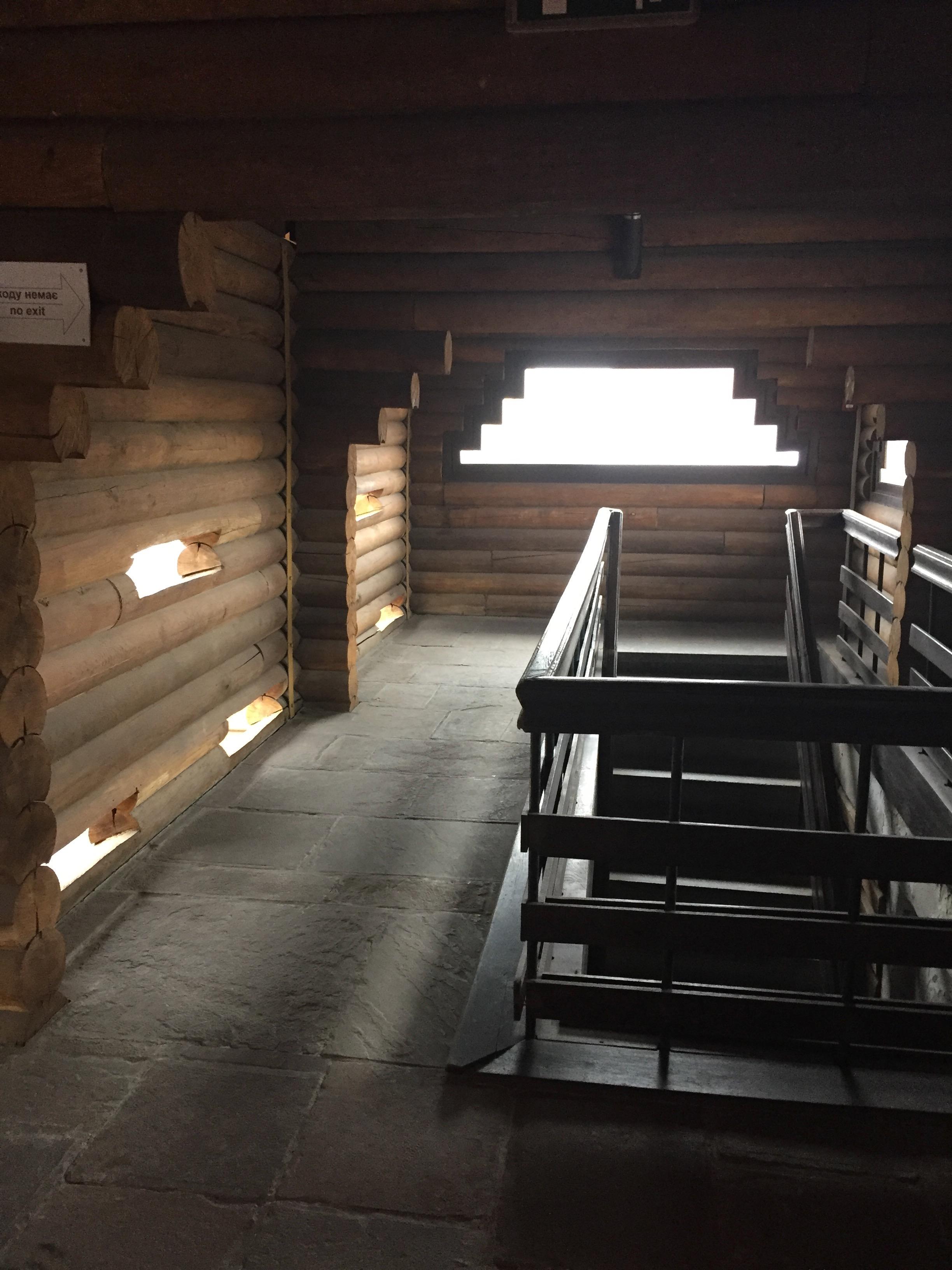 大門の2階