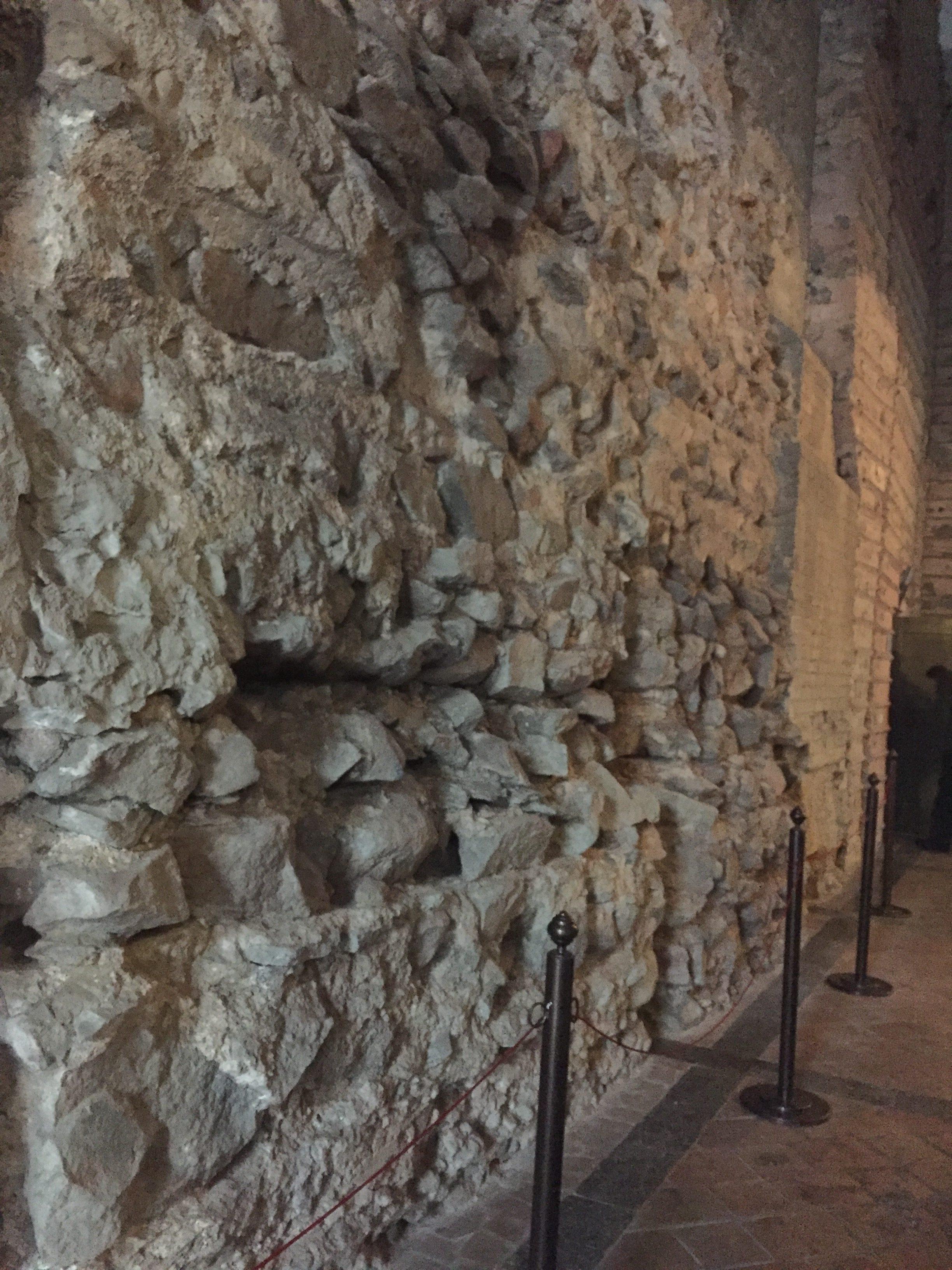 門の壁が展示されていた