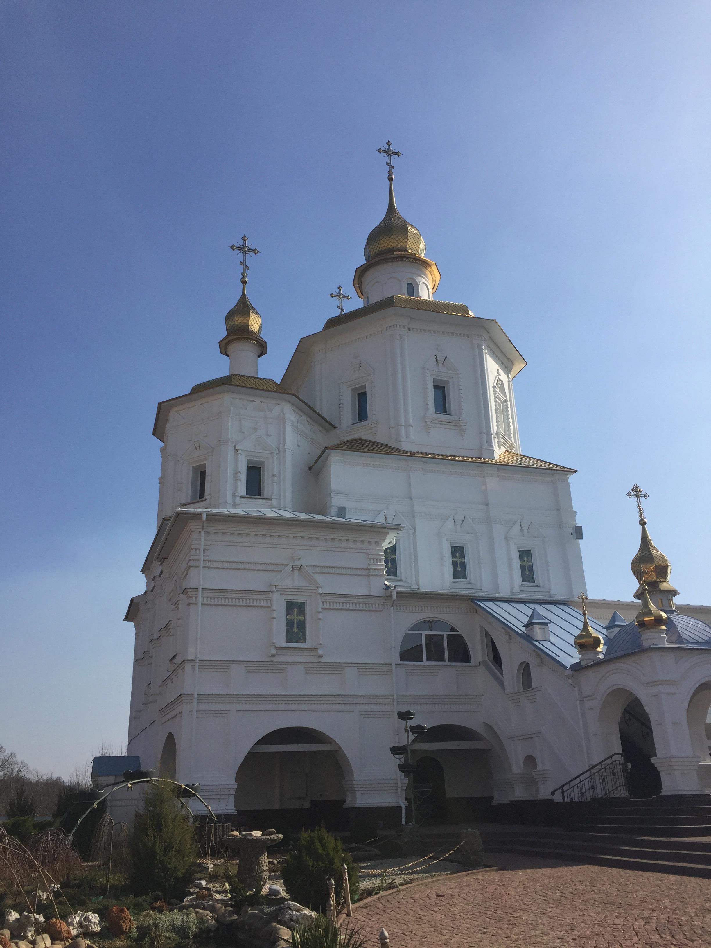 モルチェンスキー修道院内の教会