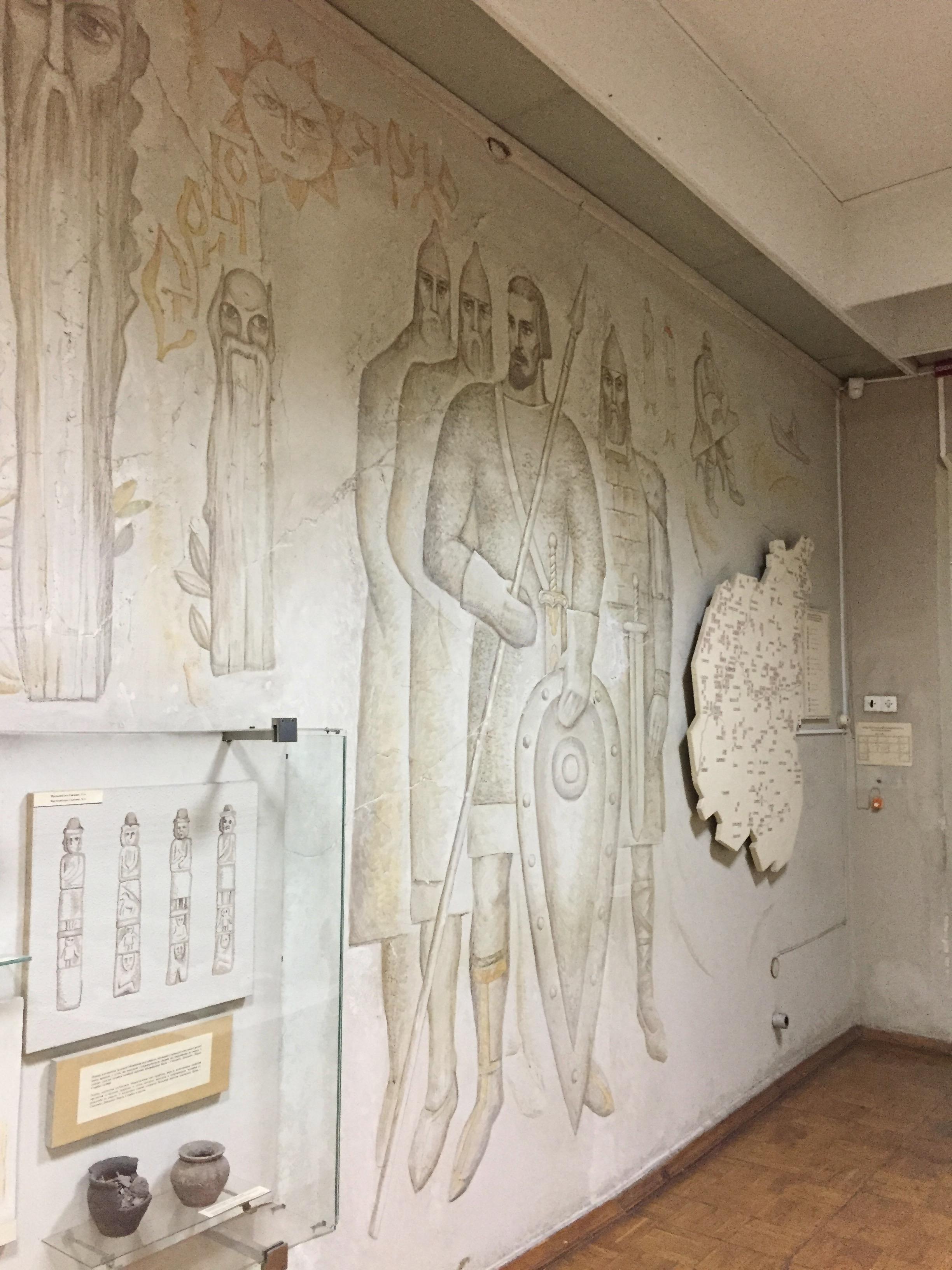 博物館内の壁のイラスト