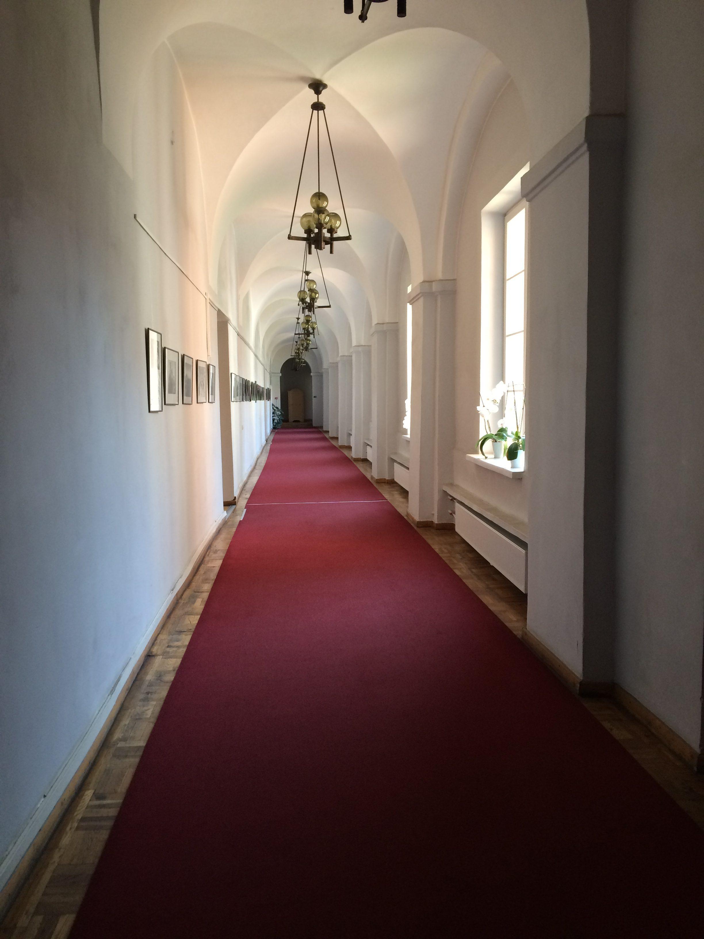 大学構内の廊下