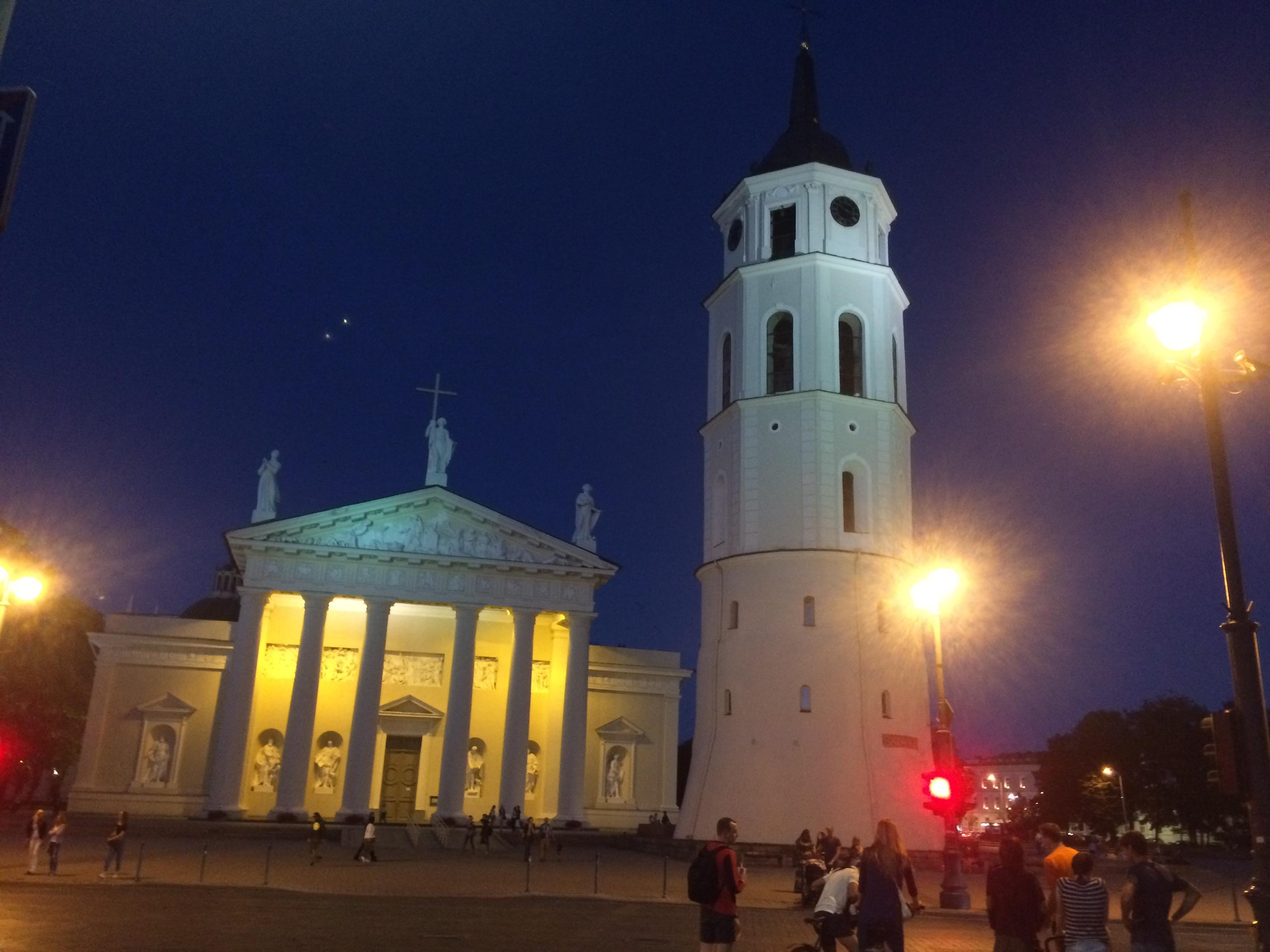 夜のヴィリニュス大聖堂