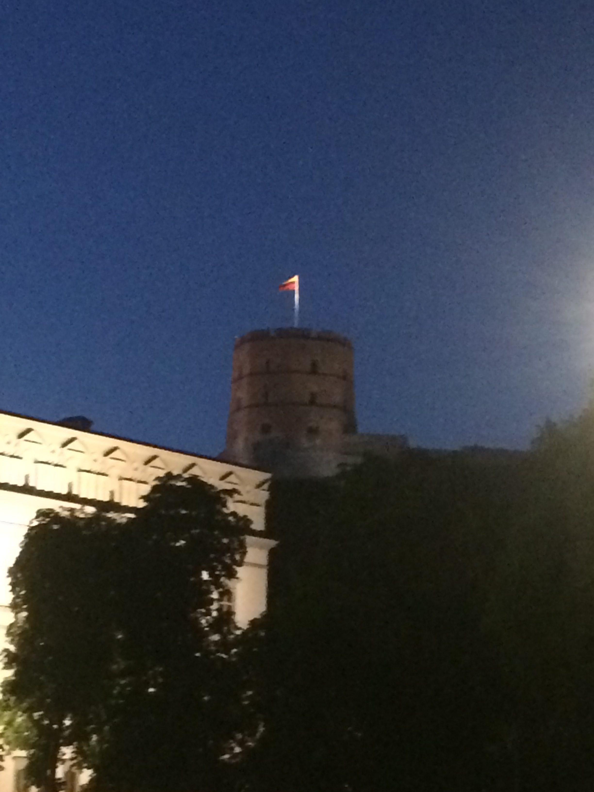 夜のゲティミナス城