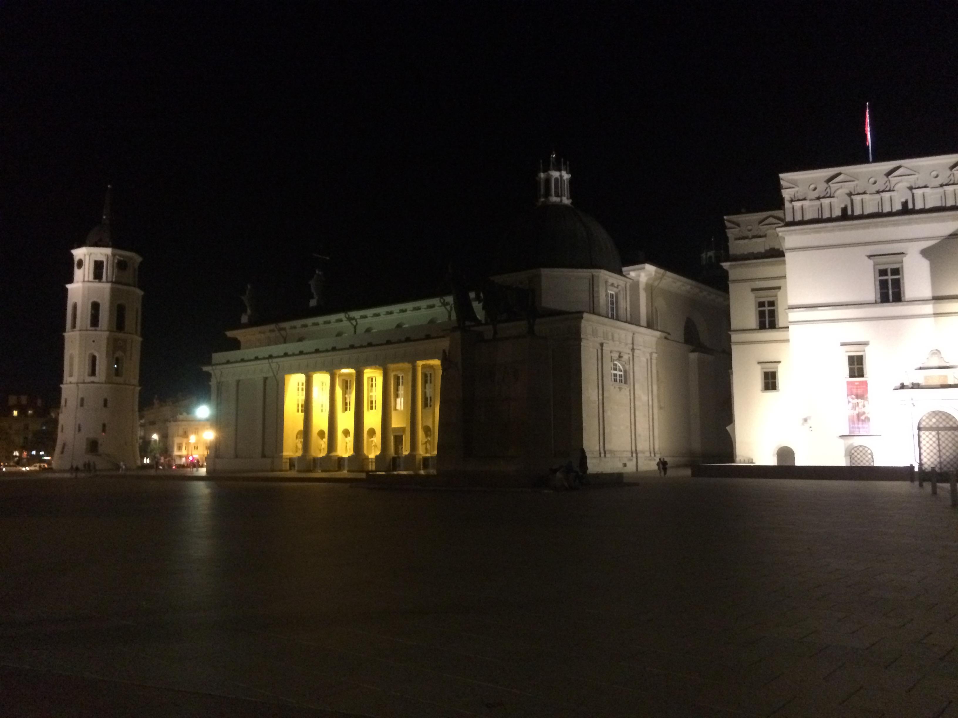 夜のヴィリニュス大聖堂2