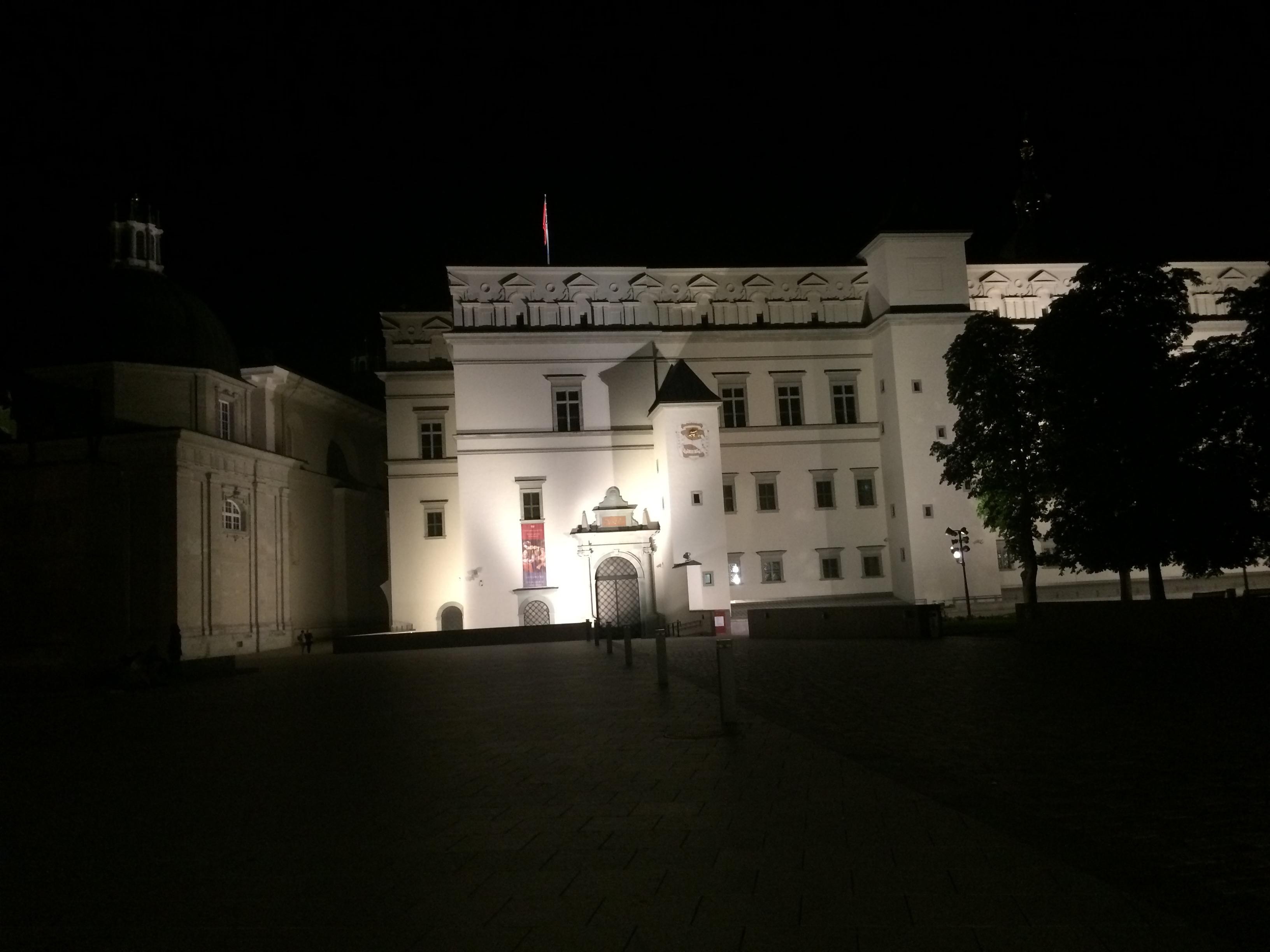 夜の宮廷博物館